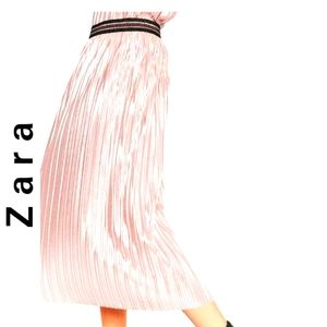 Zara Metallic Shiny Pleated Pink Skirt L
